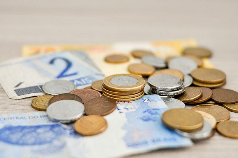 В случае отсутствия основополагающего Коллективного трудового договора базисом для расчёта минимальной зарплаты служит установленный уровень прожиточного минимума – 1160евро.