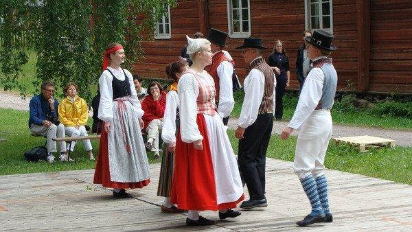 Финские костюмы