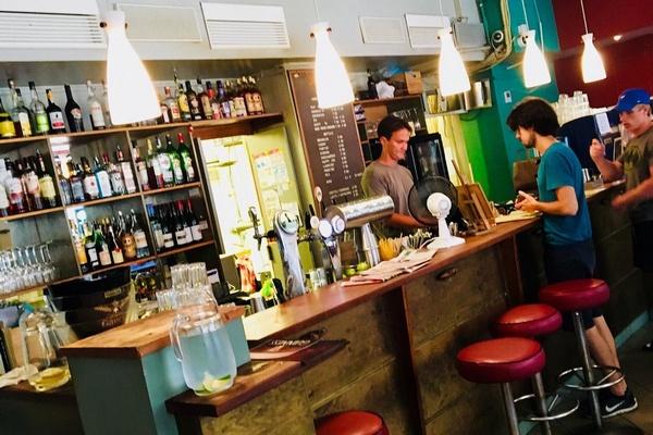Где поесть в Хельсинки недорого: Cafe Bar No 9